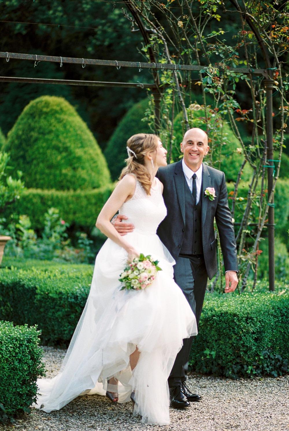 darya kamalova thecablookfotolab fine art film fhotographer in italy destination wedding como lake villa regina teodolinda villa pisani scalabrin-319