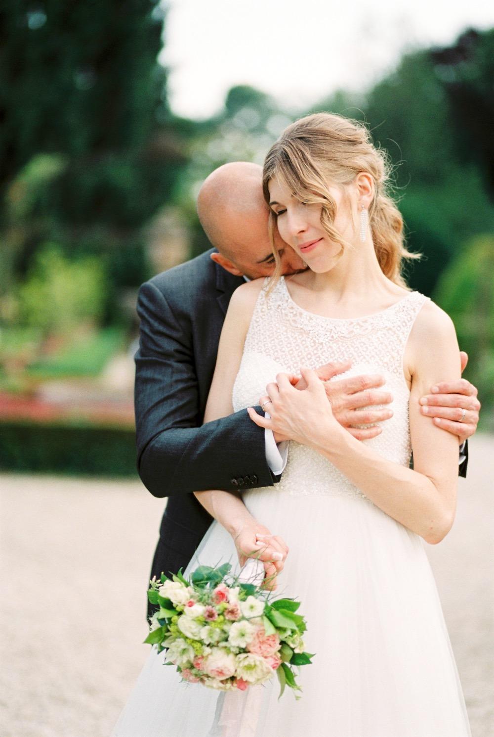 darya kamalova thecablookfotolab fine art film fhotographer in italy destination wedding como lake villa regina teodolinda villa pisani scalabrin-405